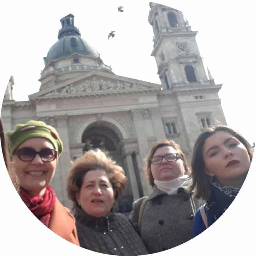Марина и Аня, Таня и Даша, Ирина.